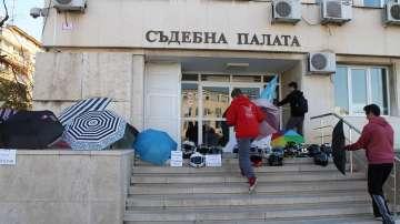 Протест в Търговище след инцидент с пиян служител на съдебната охрана