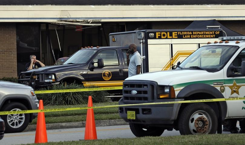 мъж откри стрелба уби петима души банка флорида