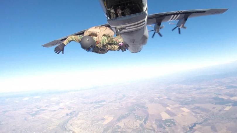 Стотици български военни парашутисти от Специалните сили и американските Военновъздушни