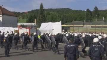 Австрия тренира защита на границата заради миграционните разпри в Германия