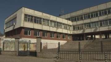 Проверяват скандален случай с агресивна учителка във Владая