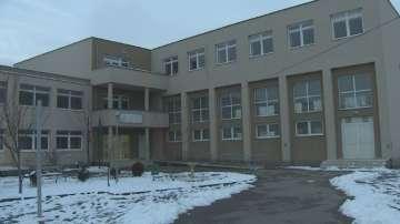 Преподавател разби устната на ученик в 65-то училище