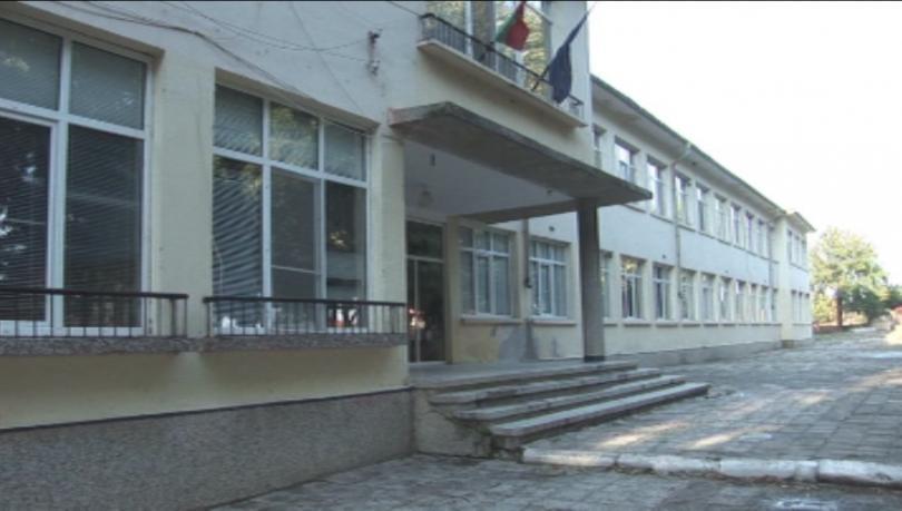Жителите на силистренското село Правда построиха със собствени сили и