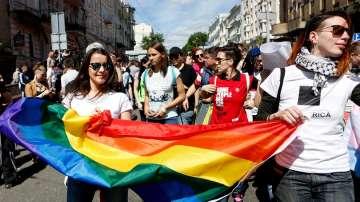 Хиляди в Киев излязоха на шествие Любовта няма пол