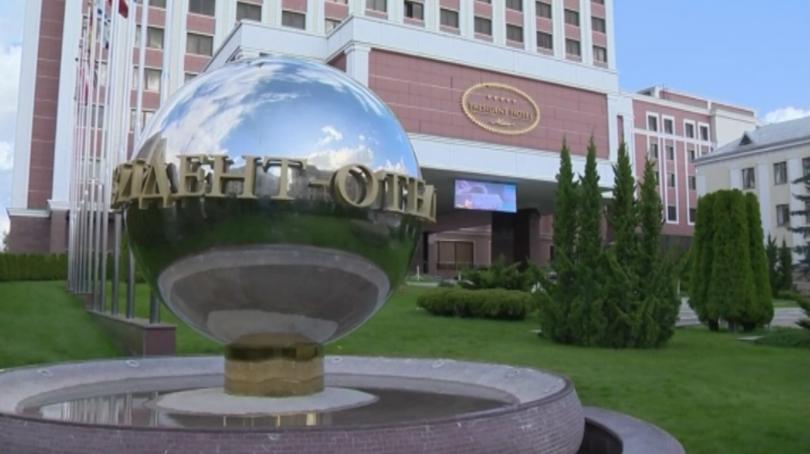 Украйна подписа споразумение с проруските сепаратисти за местни избори в Донбас