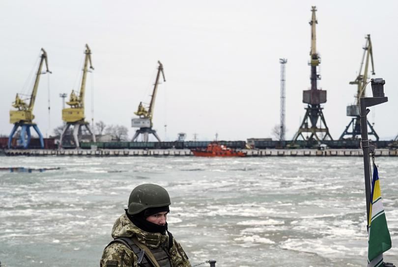 Задържаните украински моряци в Керченския проток не са военнопленици, категорични