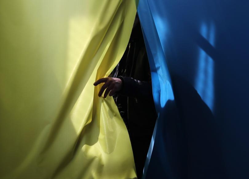 Украйна избира своя нов президент. Новакът в политиката Володимир Зеленски