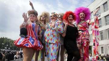 Около 2500 души участваха в гей парада в Киев (СНИМКИ)