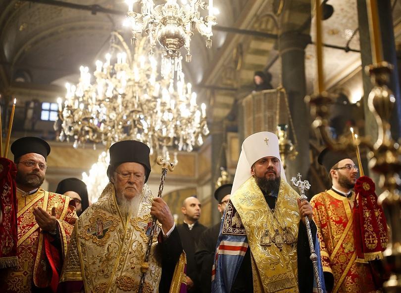 Вселенският патриарх подписа документа за автокефалия на Украинската църква