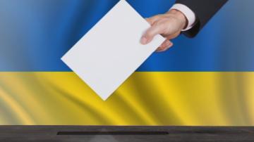 Кандидат-президентската надпревара в Украйна ще приключи с дебат на стадион