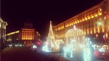 Усеща ли се вече коледното настроение в София?