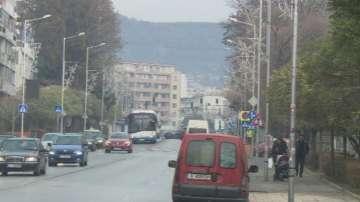 Опасна ли е коледната украса във Варна?