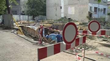 Улица в центъра на Варна пропадна заради строителен изкоп