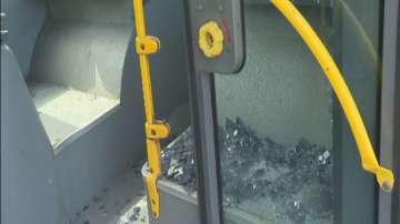 Инцидент между автобус и автомобил в района на Терминал 2