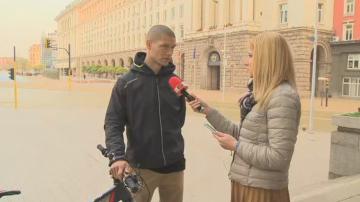 Продължава издирването на шофьора, блъснал колоездач край стадион Локомотив