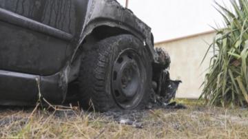Запалиха колата на кандидат-кмет в село Попица