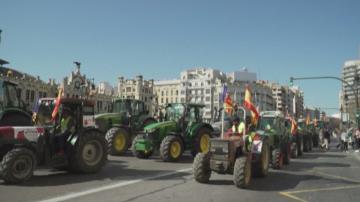 Трактори блокираха Валенсия по време на фермерски протест