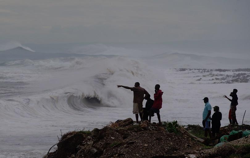 Ураганът Матю взе първите си жертви в Хаити