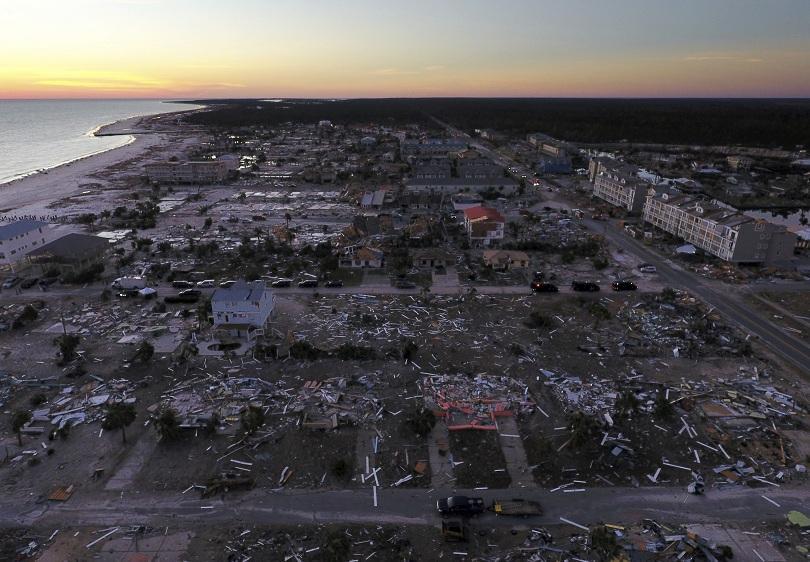 Спасителните екипи и доброволци издирват над 1000 души, все още