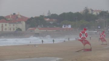 Ураганът Лесли връхлетя Иберийския полуостров