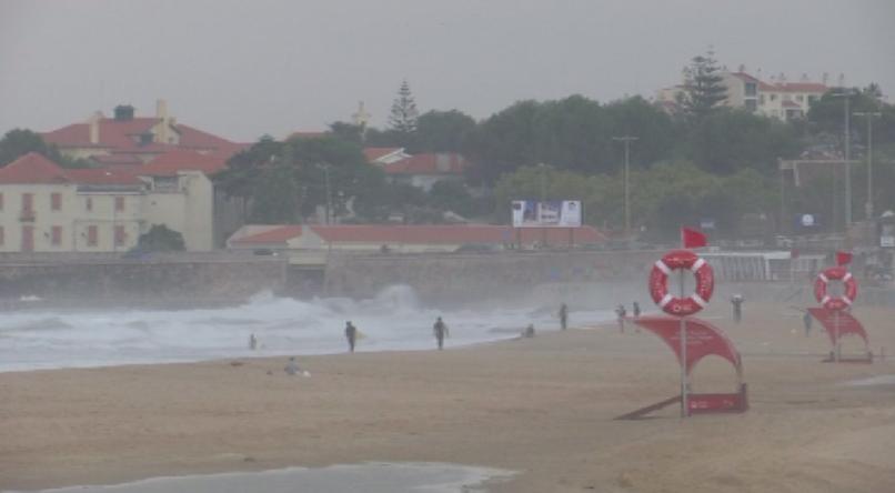 Ураганът Лесли остави 300 000 домакинства в Португалия без ток