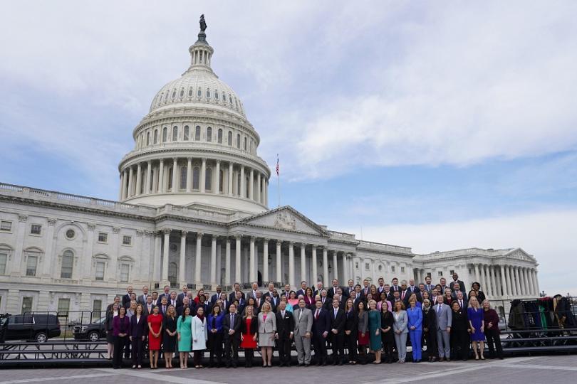 Камарата на представителите в американския Конгрес, доминирана от демократите, одобри