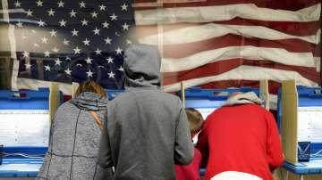 В САЩ гласуват на междинни избори за Конгрес