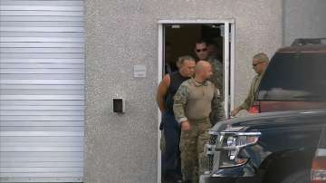 Обвиненият за изпращането на колети-бомби в САЩ остава в ареста