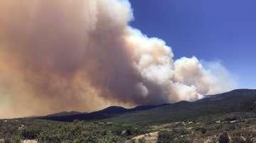Огромни пожари бушуват в Калифорния