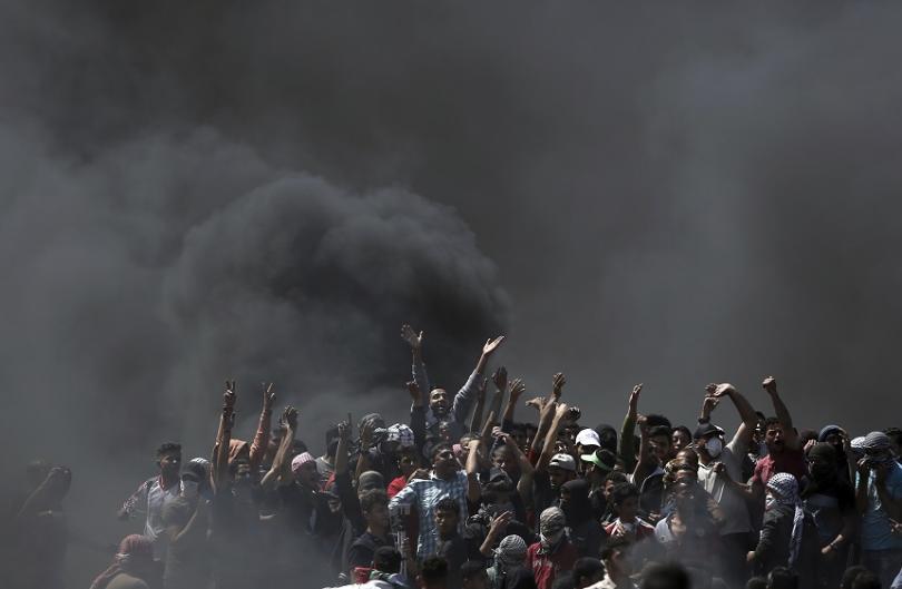 снимка 3 Протести с десетки жертви след откриването на посолството на САЩ в Ерусалим