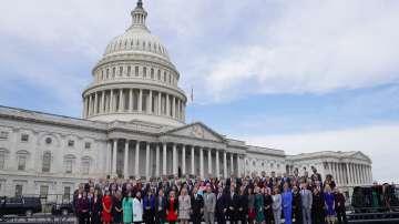 В САЩ демократите поеха Камарата на представителите