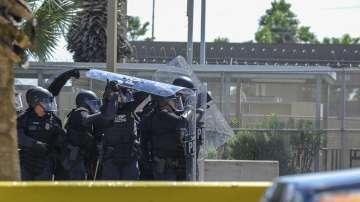 САЩ спират мигранти по границата с Мексико с армия