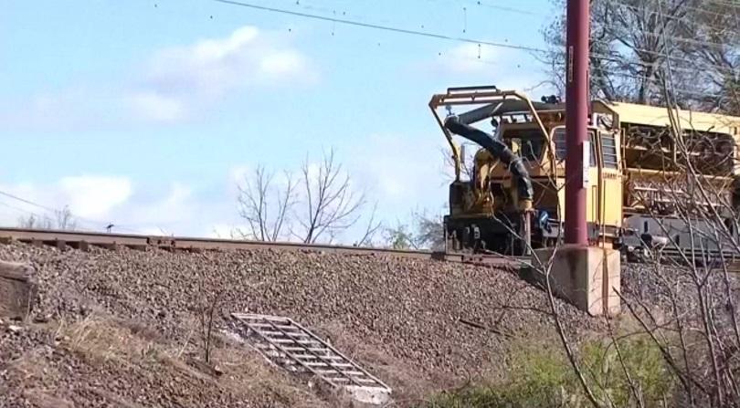 Товарен влак се преобърна в тунел, няма пострадали