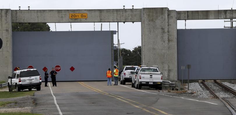 снимка 1 Големи пристанища в САЩ са затворени заради наближаването на урагана Нейт