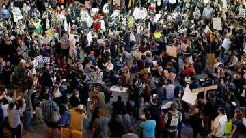 Хаос по летищата в САЩ, продължават протестите срещу имиграционния контрол