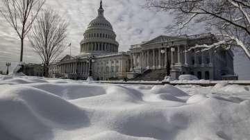 Хиляди държавни служители в САЩ все още не получават заплати