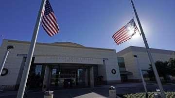 Знамената в САЩ ще бъдат  спуснати наполовина за 30  дни в памет на Буш-старши