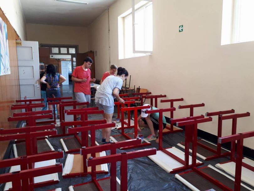 ученици горна оряховица сами обновиха кабинета история