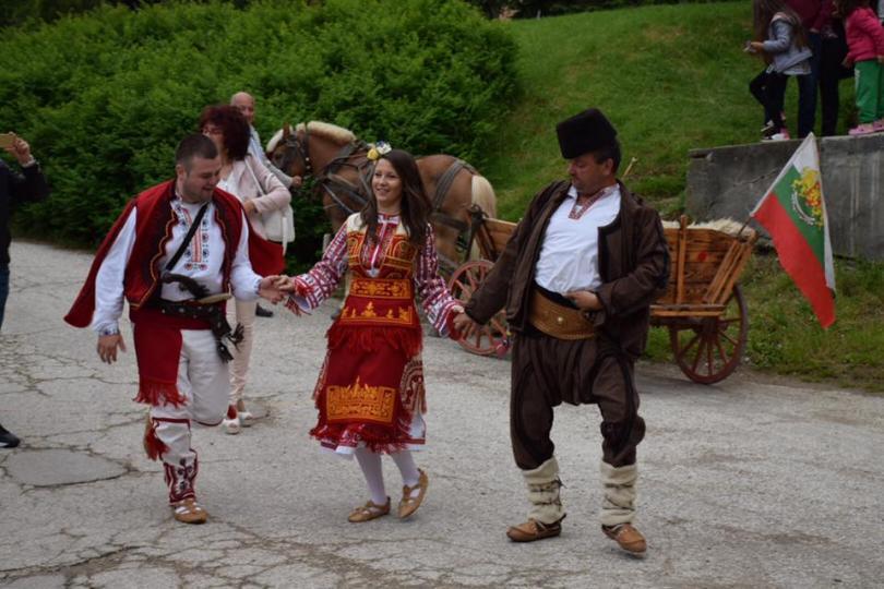 снимка 1 От българско - по българско