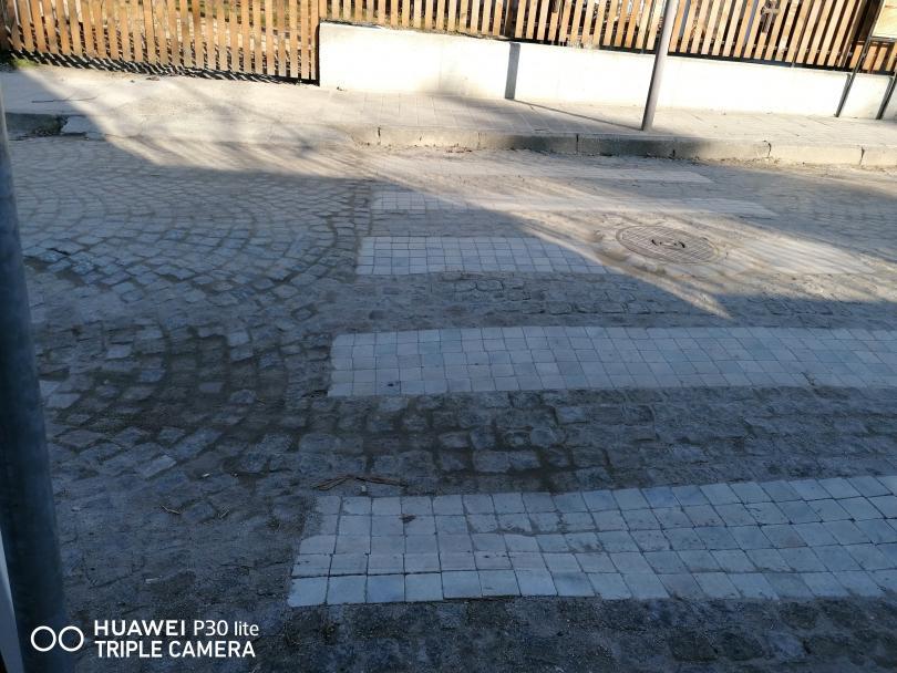 снимка 1 Иновативна пешеходна пътека в Свищов