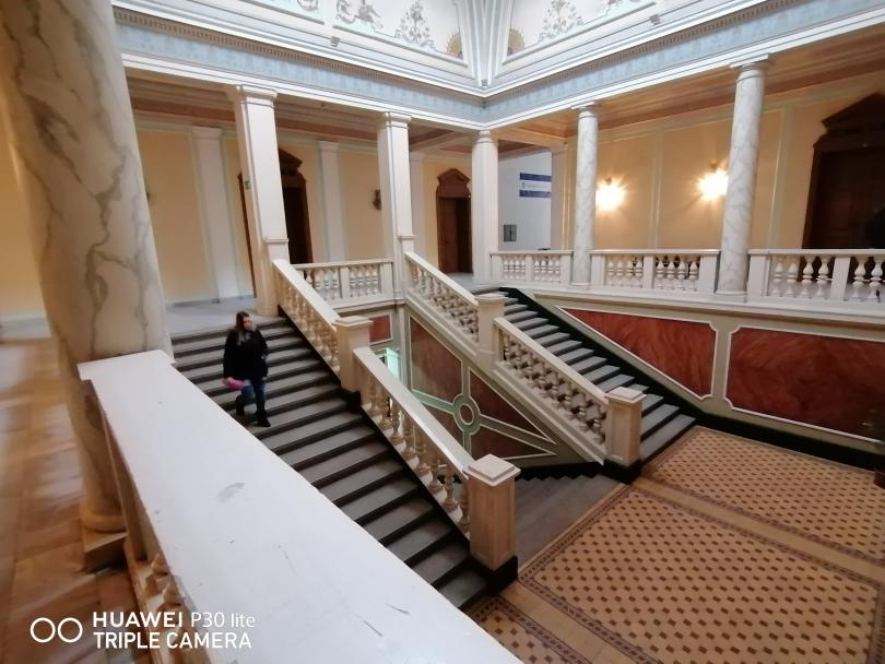 снимка 6 Разходка в Търговската гимназия в Свищов