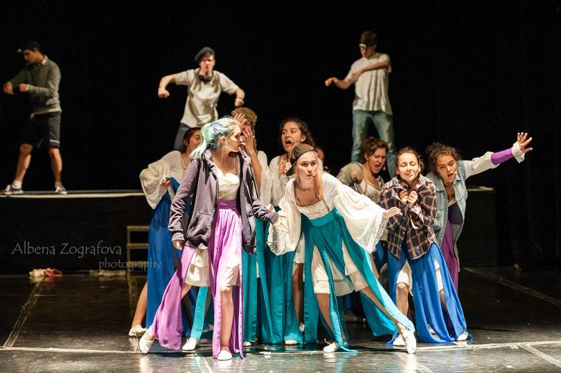 """снимка 1  """"ЗВЕЗДИТЕ НА ВЕНЕЦИЯ - В ПОЛИТЕ НА ВИТОША в Младежки театър"""