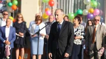 Министър Вълчев: Днес е най-празничният ден