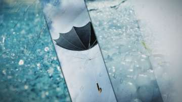 Жълт код за обилни валежи и гръмотевици в 12 области у нас