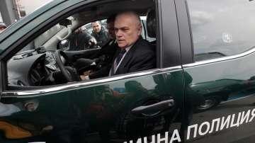 МВР пое отговорността за непроверените пътници на летище София