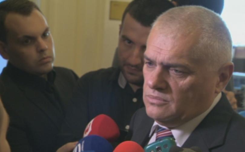 Вече бившият вътрешен министър Валентин Радев от днес отново е