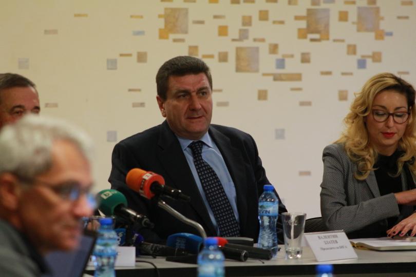 """Снимка: Валентин Златев вече не е управител на Лукойл-България"""""""