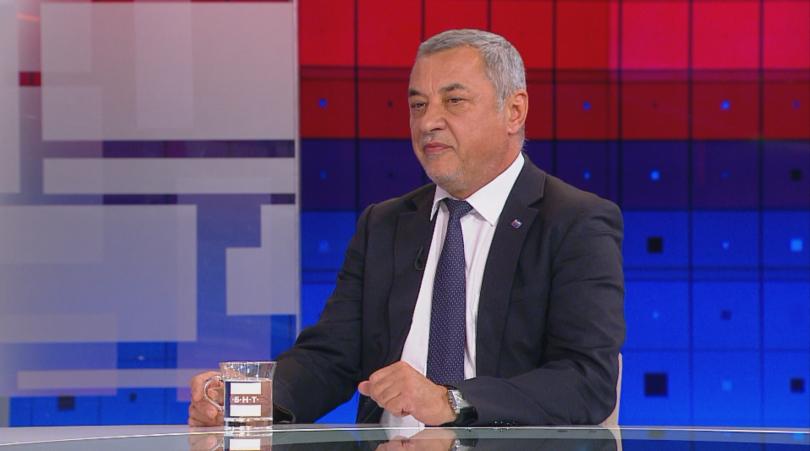 Председателят на НФСБ Валери Симеонов коментира в студиото на