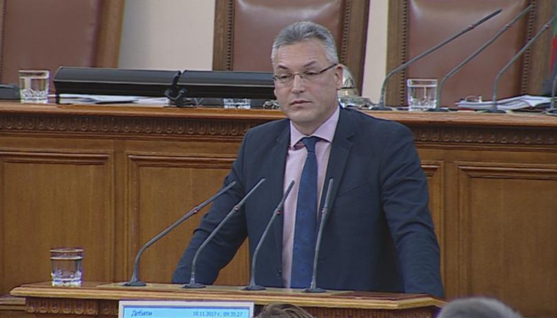 БСП сезира Конституционния съд за отстраняването на Валери Жаблянов
