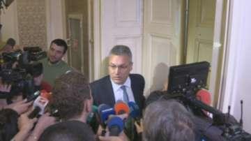 Очаква се депутатите да гласуват оставката на Валери Жаблянов